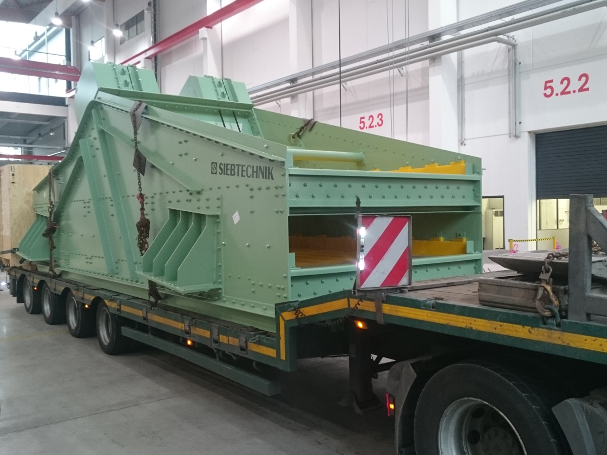 Linear-motion screening machine HG 22,5 76-II WS transport