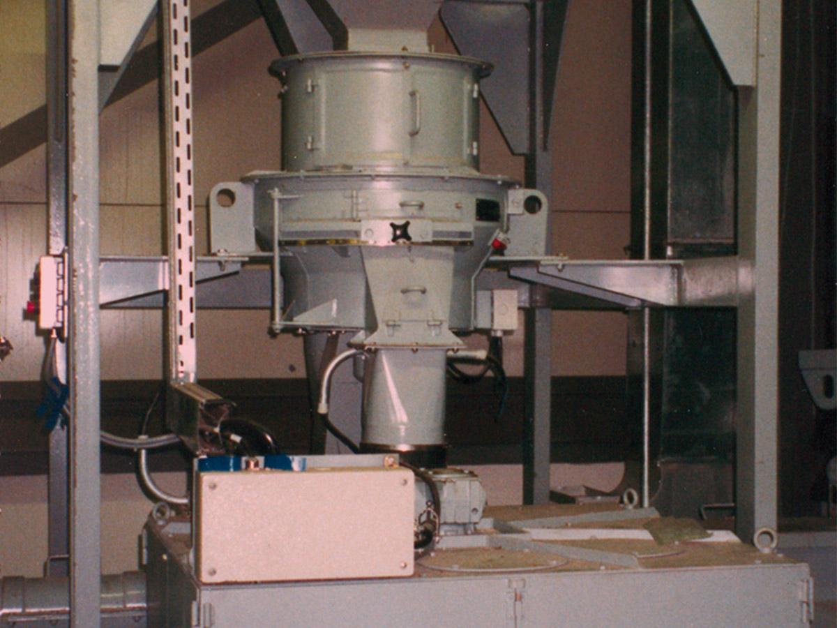 Rotary divider, turnstile divider, sample collector